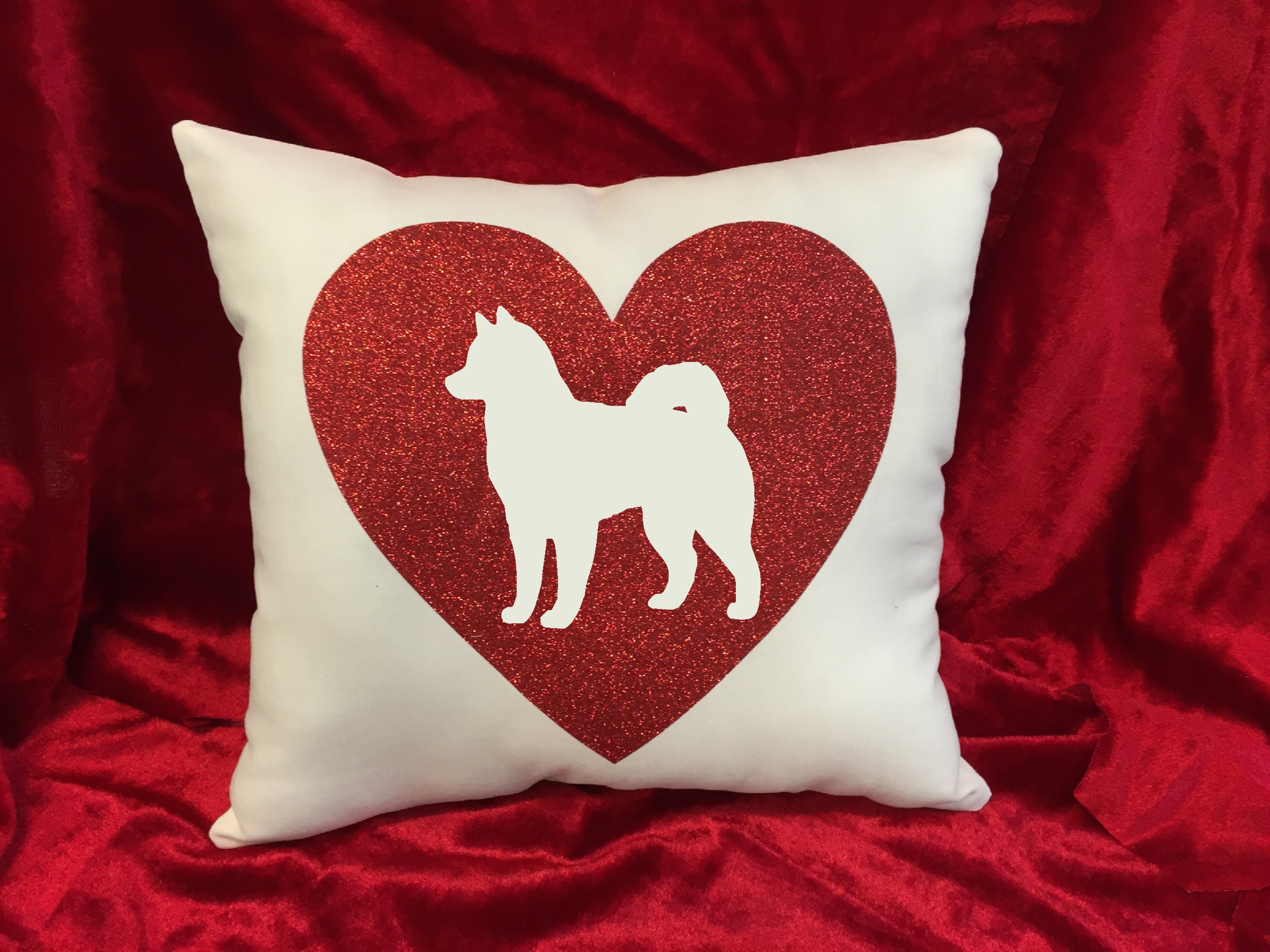 Dogs - Throw Pillow - Alaskan Malamute